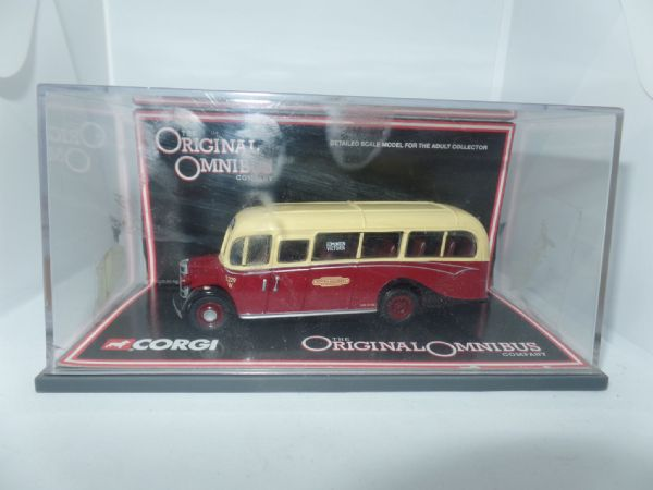 Corgi OOC 42609 Bedford OB Duple Vista Bus Coach British Railways on loan to London Transport  MIMB